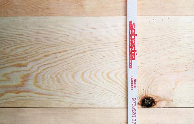muntatge de la casa prefabricada de fusta