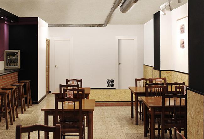 reforma interior de la cruïlla, casal independentista de l'eixample. Vista de la sala i bar